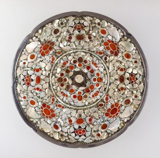 平螺鈿背八角鏡(へい ら でんはいのはっかくきょう):「第 70 回正倉院展」奈良国立博物館 会期「10月27日~11月12日」