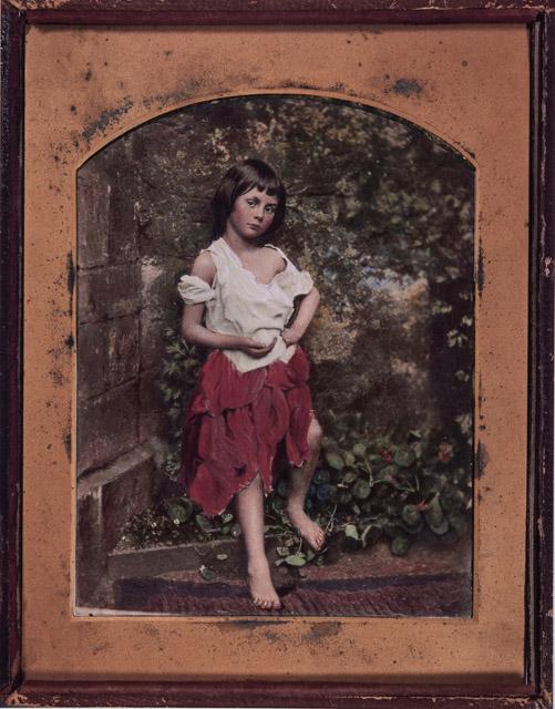 チャールズ・ラトウィッジ・ドッドソン「アリス・リデルの肖像」(複製) From The New York Public Library:「不思議の国のアリス展」神戸展 兵庫県立美術館