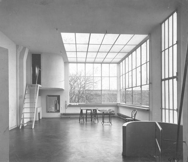 ル・コルビュジエ「アメデ・オザンファンの住宅兼アトリエ」(1922-23年) Photo Charles Gérard ©FLC