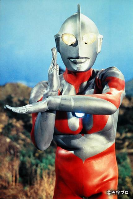 『ウルトラマン』1966 年 © 円谷プロ:「Oh !マツリ☆ゴト 昭和・平成のヒーロー & ピーポー」兵庫県立美術館