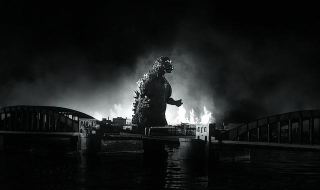 『ゴジラ』(1954) TM & ©1954 TOHO CO., LTD.:「Oh !マツリ☆ゴト 昭和・平成のヒーロー & ピーポー」兵庫県立美術館
