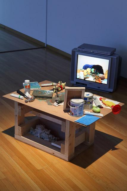 泉太郎《ステーキハウス》2009:「百年の編み手たち -流動する日本の近現代美術-」東京都現代美術館