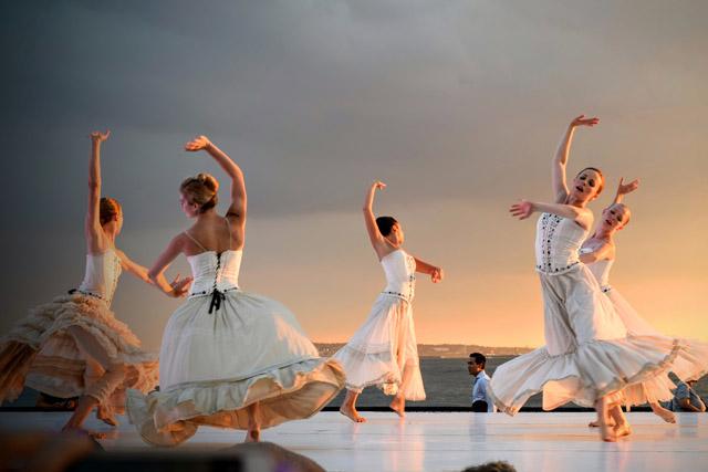 踊れ博士論文!?ー先端技術をダンスで表現する「Dance Your Ph.D.」:アートをおしきせ 20190225