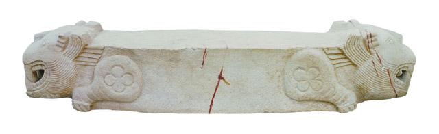 虎形棺座 石 三国時代(呉)・3世紀 2006年、江蘇省南京市上坊1号墓出土 南京市博物総館蔵